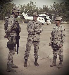 El contingente español desplegado en Malí recibe la visita…   Flickr