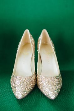 Sparkly gold wedding shoes: http://www.stylemepretty.com/little-black-book-blog/2014/09/24/mint-gold-wedding-of-walk-in-love-style-blogger/ | Photography: Brooke Courtney - http://www.brookecourtney.com/
