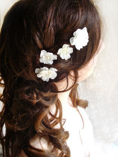 white flower bobby pins, bridal hair clip, wedding hair accessories - FALLEN STARS - wedding hair clips, bridal, bridesmaid accessories. $35.00, via Etsy.