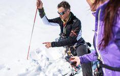 """""""Il divertimento sì, ma la sicurezza prima di tutto! » Lo sci escursionismo si pratica fuori delle piste e dei sentieri. È quindi importante conoscere la montagna, essere preparati e ben attrezzati. Sara Berthelot, partner tecnico Quechua, vi dà consigli per la vostra sicurezza affinché lo sci escursionismo resti un piacere!"""