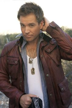 Michael Weatherly photo shoot...I kinda have a thing for dogtags since that scene in Pearl Harbor. ;)