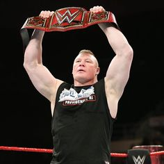 wwe The reigning, defending, undisputed #UniversalChampion is ready for #RoyalRumble... #BrockLesnar @paulheyman  2017/12/24 08:42:58