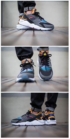 Nike Air Huarache Run SD: Black/Volt/Pink Pow
