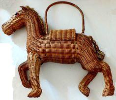 "HORSE PURSE VINTAGE WICKER 1960s NATURAL COLOR 20"" LONG #VINTAGE #NoveltyPurseAnimalFigure"