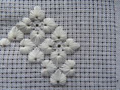 Embroidery Flowers Pattern, Embroidery Needles, Flower Patterns, Hardanger Embroidery, Silk Ribbon Embroidery, Hand Embroidery, Drawn Thread, Bargello, Stitch Patterns
