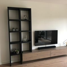 Oak TV cabinet and cabinet New Living Room, Living Room Sofa, Home And Living, Living Room Interior, Home Room Design, Living Room Designs, Oak Tv Cabinet, Southern Living, Modern Tv Wall Units