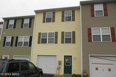 Affordable 3 Bedroom-2.5 Bath townhome with 1 car Garage. .  New Carpet, All Appliances to include Washer/Dryer. Ready to Move in to!  Located just 5 minutes from I-81 Exit 8.  Easy Commute to Either Winchester, Va or Martinsburg.