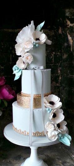 Blush Anemones Cake