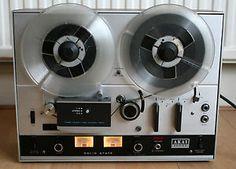 Akai-4000D-Reel-to-Reel-Tape-Recorder