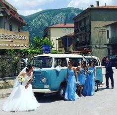 Il Pulmino Volkswagen conquista tutti! Elegante, dinamico e allegro è un'alternativa  originale e simpatica! Disponibile in diversi colori: celeste, blu, rosso, pesca, giallo, tortora e tiffany.  Contattaci e vieni a guardarlo da vicino!  www.alfieauto.it  Sedi a Salerno e Paestum Alla tua weddingcar ci pensiamo noi!  339 8937794 #weddingcar #pulminovolkswagen #matrimonio