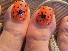 Google Image Result for http://aboutnails.info/wp-content/uploads/2011/10/halloween-nail-art-1.jpg