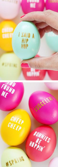 DIY Easter Decorations ideas are amazing. Get best Easter decor ideas & easy Easter decorating tips here, including Easter decorations for home & Easter DIY Hoppy Easter, Easter Bunny, Gold Easter Eggs, Funny Easter Eggs, Diy Osterschmuck, Diy Crafts, Diy Easter Decorations, Diy Ostern, Up Book