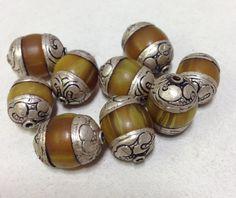 Perles tibétaines Copal ambre perle orné argent boucles d'oreilles faits à la main Bijoux Collier Unique C