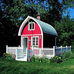 I think I've already pinned this...but I love it! So cute and quaint. The fence just ties it all together!