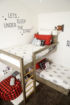 31 Free DIY Bunk Bed Plans & Ideas that Will Save a Lot of Bedroom Space Bunk beds are great to save bedroom space with 2 or more person. If you want to build it, bookmark this collection of free DIY bunk bed plans. Bunk Beds Small Room, Bunk Beds Boys, Bunk Bed Plans, Modern Bunk Beds, Bunk Beds With Stairs, Cool Bunk Beds, Murphy Bed Plans, Kid Beds, Bed Rooms
