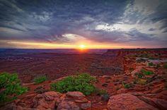 Coucher de soleil dans le désert de l'Utah - Island in the sky, Canyonlands…