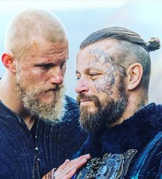 Vikings 👊 Support for daily dose of beards ✔ . DM or E-mail for promotion/shoutout 💼 . Lagertha, Ragnar Lothbrok Vikings, Vikings 2, Vikings Tv Series, Vikings Tv Show, Norse Vikings, Medieval Shows, Viking Makeup, Anglo Saxon Kingdoms