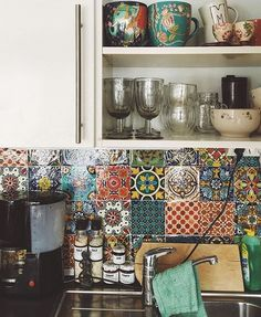 Hey @saravangol -- we love your cozy, patternful kitchen! Thanks you for sharing…