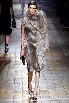 Lanvin Fall 2013 Ready-to-Wear Fashion Show Collection