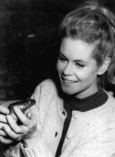 Elizabeth Montgomery and a frog..
