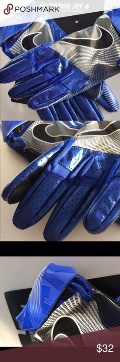 NWT Nike Vapor Jet 4 Football Gloves Brand new Nike Football Vapor Jet 4 Gloves. All the details can be seen in the last pic. I am a top-rated seller and fast shipper 🎉🎉 Nike Accessories Gloves