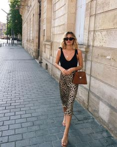 15 casual night out outfits ideas that are so simple who what wear source · summer fashion night out outfits. summer fashion night out outfits Jupe Midi Leopard, Leopard Print Skirt, Leopard Skirt Outfit, Leopard Print Outfits, Animal Print Skirt, Leopard Pants, Animal Print Outfits, Style Année 80, Looks Style