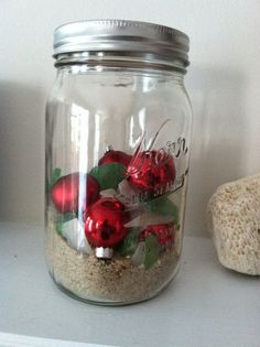 mason jar + sand + sea glass (collected by me DUH) + small christmas balls = perfectly beachy holiday decoration!