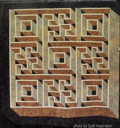 Stonehenge Path (Labyrinth Walk) by Ruth Fulton, quilted by Debbie Stanton