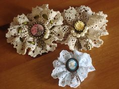 Vintage Lace Brooches --- I have tons of lace-- now I know what to do with some of it along with the Christmas Angel they had!!  It will keep me busy for sure!
