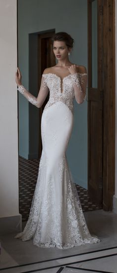 Glamorous mermaid bridal gown | Riki Dalal 2016 Verona Wedding Dress Collection via @BelleMagazine