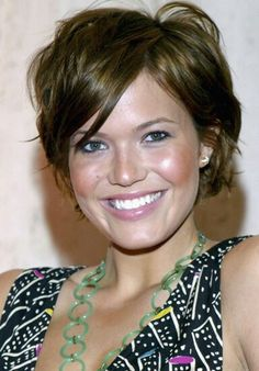 Mandy Moore // Short // Choppy // Piecey // Chestnut // Round Layers // Bob // Pixie
