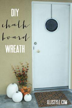 diy chalkboard wreath - illistyle.com
