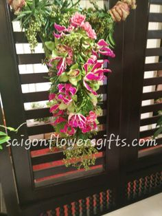 Send flowers to Ho Chi Minh, Vietnam, Saigon flowers and gifts delivery on Christmas, Order and pay online