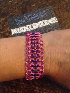 Chainmail Latex zomer armband. FB: Tessa's chainmail workshops