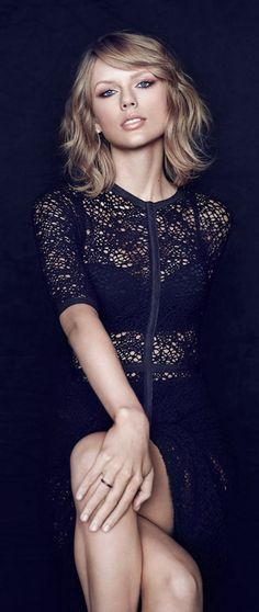 I admire Taylor Swift ♥ Not only her fabulous talent, but also for her words to young girls (and everyone!) at her concerts... so warm, uplifting and amazing