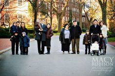 Love The Creative Way This Photographer Posed This Extended Family Session.