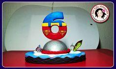 Topo de bolo vela personalizada Superman em biscuit com pavio mágico.