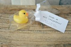 Bath duckling - Original wedding thank you: Rubber duck standard (€ For more information and other original - Wedding Thanks, Wedding Thank You Gifts, Our Wedding Day, Cute Teacher Gifts, Cute Gifts, Wedding Giveaways, New Home Gifts, Rubber Duck, Wedding Styles