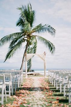 Best Hawaii Ceremony Backdrops -Hawaii Wedding Inspiration - Seaside tropical destination wedding - Flower petals on the aisle