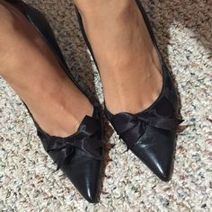 BCBG PUMPS Unfortunately this cutie doesn't fit me anymore. BCBG Shoes Heels