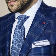 You'll never go wrong with @isaia_boutique. Shop this look in store or online at www.stanleykorshak.com. #ootd