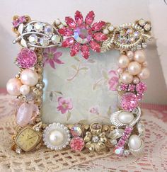 Pages - Upcycled Crafts Costume Jewelry Crafts, Vintage Jewelry Crafts, Recycled Jewelry, Mom Jewelry, Jewelry Tree, Jewelry Ideas, Jewelery, Jewelry Frames, Jewelry Christmas Tree