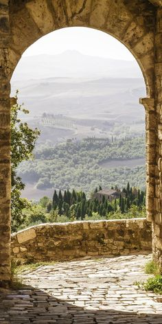 Tuscany, Italy  - Re-pinned by ettitude.com.au