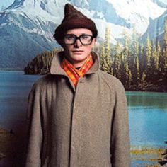 The genius that is Simon Munnery. An undiscovered master of comedy. People who have seen him are very lucky.