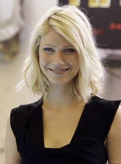 The next time I want to mix up my hair, I just might try this haircut...