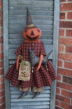 Oh Hallo'ween .how I love theee! Halloween Quilts, Halloween Items, Halloween Candy, Vintage Halloween, Halloween Crafts, Happy Halloween, Primitive Fall, Primitive Crafts, Scrappy Quilts
