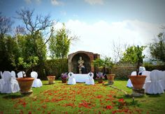CHIANTI - The garden at Villa di catignano, Tuscany, makes a wonderful venue for a wedding in Italy   wedinitaly