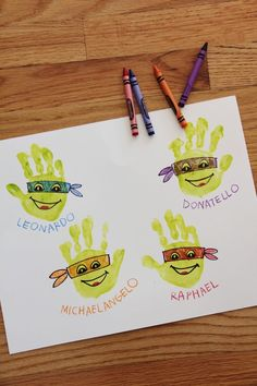Make these fun handprint Teenage Mutant Ninja Turtles with your kids! Craft in collaboration with Teenage Mutant Ninja Turtles: Out of the Shadows movie, in theaters June (holidays with toddlers christmas cards) Ninja Turtle Crafts, Ninja Turtle Birthday, Ninja Turtle Party, Ninja Turtles, Daycare Crafts, Baby Crafts, Cute Crafts, Preschool Crafts, Toddler Art