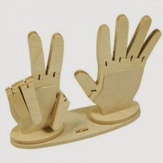 Counting Hands - These are from England and cost a fortune so figure out how to make them. kiddos are still counting their fingers because they haven't mastered the idea that there are always five on each hand (barring serious mishap). Woodworking Toys, Woodworking Projects, Woodworking Quotes, Woodworking Basics, Woodworking Workshop, Wooden Hand, Montessori Toys, Wood Toys, Dremel