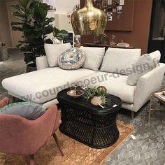 Mon compagnon de douceur. Découvrez ce canapé sur notre Boutique en ligne www.coupdecoeur-design.fr Couch, Boutique, Design, Furniture, Home Decor, Gray Fabric, Gentleness, Fishing Line, Settee